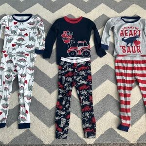 Carter's and Baby Gap Valentine's Day pajamas 3T